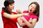 Due donne che litigano