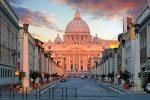 Roma, auto slitta per la pioggia vicino a San Pietro: ferita una famiglia di 5 polacchi