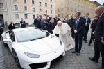 Papa:venduta all'asta a 715mila euro 'sua' Lamborghini