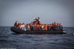 Migranti: in 114 sbarcano a Porto Empedocle, altri 27 salvati al largo di Lampedusa