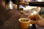 Ogni anno italiani spendono 260 euro per caffè