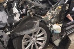 Tesla con pilota automatico si schianta contro camion