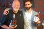 Nella foto da sinistra  Fred Noe, Master Distiller della settima generazione dei discendenti di Jim Beam e Fabio Pane, whisky brand director di Martini & Rossi.