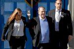 Molestie, Weinstein si è consegnato alla polizia