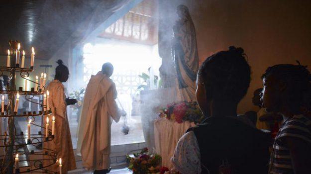 attacco chiesa cattolica bangui, Sicilia, Mondo