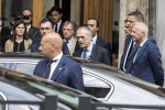 """Mattarella affida l'incarico a Cottarelli: """"Sarà governo neutrale, ma senza fiducia elezioni dopo agosto"""""""