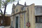 Incendio nella notte in una chiesa a Trecastagni, trovato del liquido infiammabile