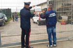 Auto da demolire e rifiuti pericolosi, sequestrata un'area a Francofonte: due denunciati