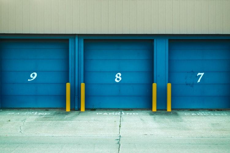 Affitto e vendita di box auto crollo dei prezzi a palermo for Box auto richiudibile prezzi