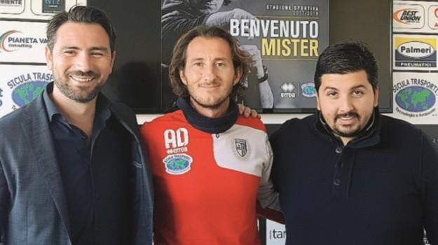 Il ds Davide Mignemi, il tecnico Aimo Diana e il patron Giuseppe Leonardi