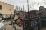 Rifiuti ingombranti in piazzetta del Gran Cancelliere accanto alla scuola elementare Turrisi Colonna