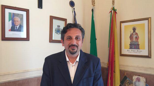 comune di calatabiano, Liborio Corica, Catania, Politica