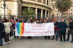 Palermo, tutti uniti contro l'omofobia: le immagini della veglia
