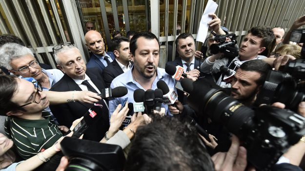 governo lega-m5s, Emmanuel Macron, Giuseppe Conte, Luca Giansanti, Matteo Salvini, Paolo Savona, Sicilia, Politica