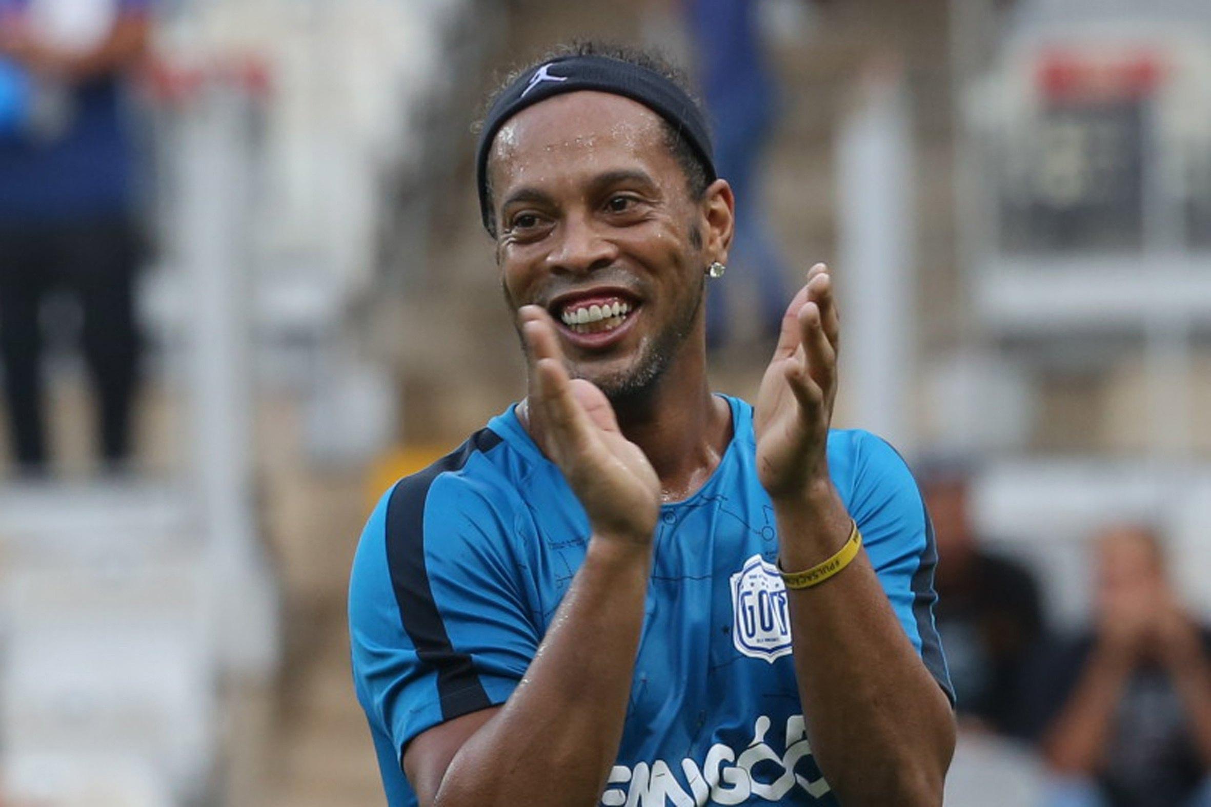 Ronaldinho fa doppietta: si sposa con due donne?