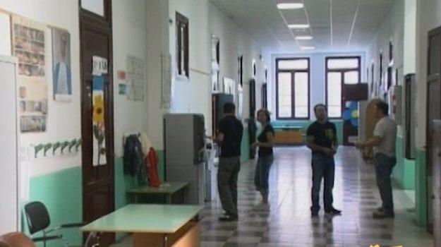 Borse di studio non ancora pagate a Palermo, caos per elementari e medie