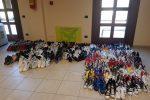 Sequestrate 500 scarpe contraffatte a Caltanissetta, denunciate due senegalesi
