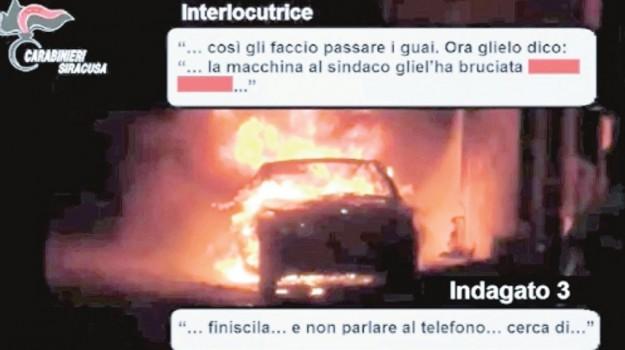 auto incendiata garozzo, Siracusa, Cronaca