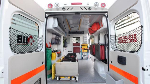 aggressioni, ambulanze, Sicilia, Cronaca