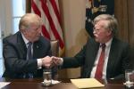 Donald Trump e il suo consigliere per la sicurezza nazionale, John Bolton