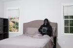 I letti degli umani sono piu' sporchi di quelli degli scimpanze'