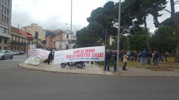 abusivi Palermo, occupanti abusivi, residenza abusivi palermo, Leoluca Orlando, Ottavio Zacco, Palermo, Cronaca