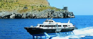 Traghetti, riprende il collegamento Napoli-Eolie per la stagione estiva