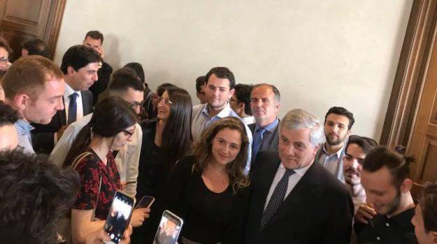 contratto governo m5s lega, contratto M5s Lega, nuovo governo, presidente parlamento europeo, reddito di cittadinanza, Antonio Tajani, Catania, Politica