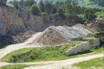 Sequestrata un'area di stoccaggio per i rifiuti a Monreale