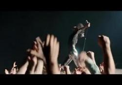 Tutta l'incredibile energia del cantante dei «Queen» nel teaser appena reso pubblico
