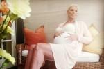 Brigitte Nielsen pubblica una foto col pancione su Instagram