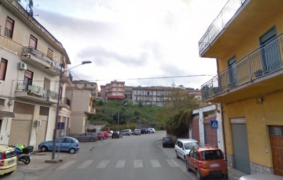 Palermo, grave una ragazza caduta dal tetto di un magazzino