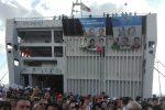 La strage di Capaci 26 anni fa, a Palermo gli striscioni e i cori degli studenti dal porto all'Aula Bunker