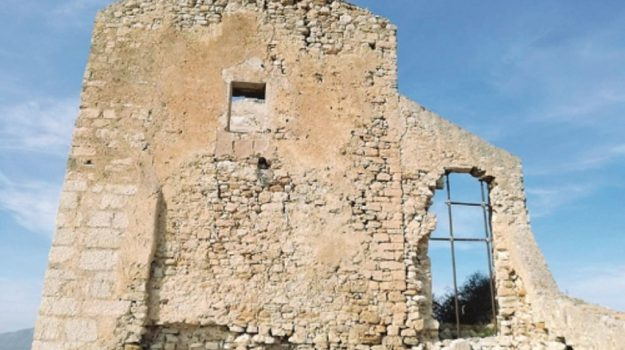 castello calatubo, Trapani, Cultura