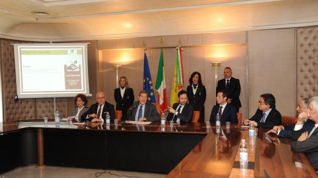 finanziaria regionale, Nello Musumeci, Sicilia, Politica