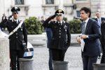 Mattarella dà l'incarico, Conte accetta con riserva