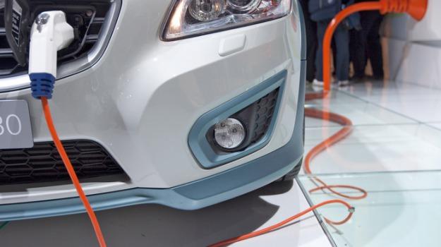 auto diesel, auto elettrica, auto ibrida, Sicilia, Economia