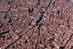 Bologna con gli occhi degli scrittori