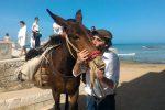 Viaggio attraverso i tesori nascosti della Sicilia: parte da Punta Secca il nuovo viaggio dell'Ecomulo
