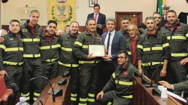 encomio pompiere salemi, Trapani, Cronaca