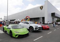 Lamborghini, in 3.000 al Family and Friends