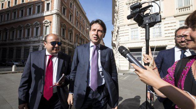 governo, ministro economia, Luigi Di Maio, Matteo Salvini, Paolo Savona, Sergio Mattarella, Sicilia, Politica