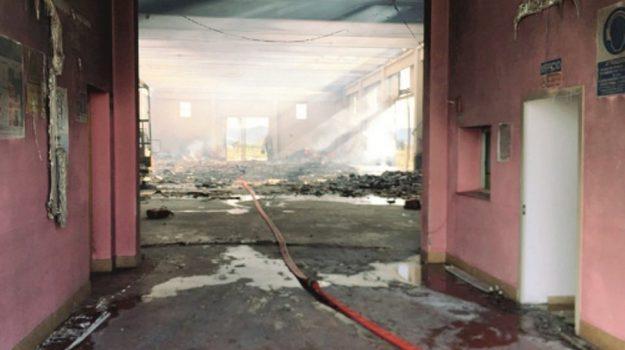 incendio licata, Agrigento, Cronaca