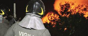 Palermo, incendio nella sesta vasca di Bellolampo: vigili del fuoco in azione