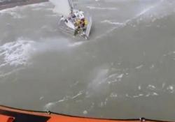 La (difficile) operazione al largo delle coste inglesi