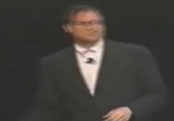 Colorato, all-in-one, economico, venne lanciato il 6 maggio 1998