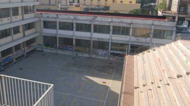 studenti denunciati catania, Catania, Cronaca