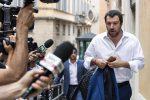 Il segretario della Lega Matteo Salvini arriva alla Camera