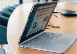 Il super-notebook con schermo staccabile è arrivato in Italia