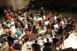 Al Teatro Politeama di Palermo in concerto i bambini dell'orchestra Quattrocanti